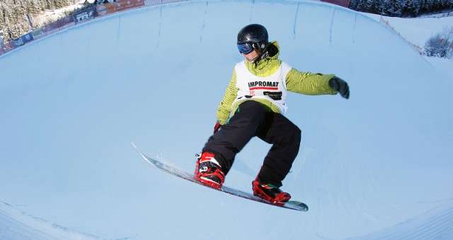 Snowboard a blesk
