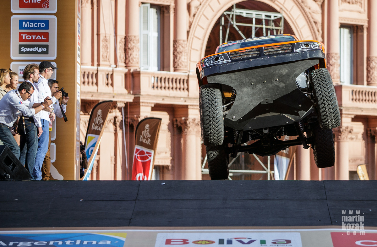 Na pódiu samozřejmě nechyběl ani Robby Gordon a jeho jump.