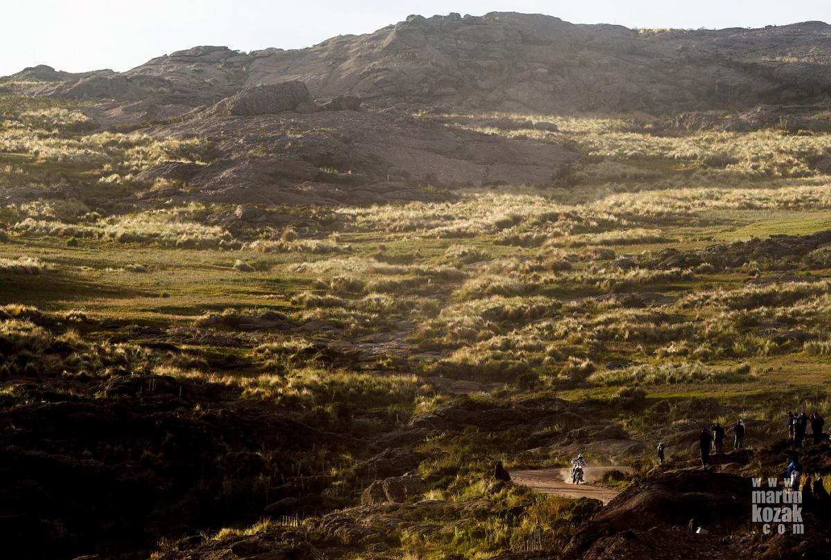 Protější kopec,  300 mm na cropu.