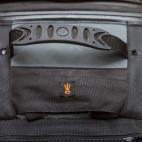 Lowepro: v kapsičce před rukojetí je ukrytý popruh pro přivázání stativu