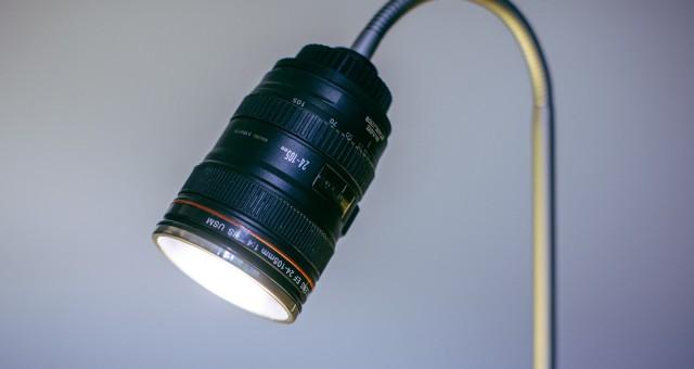 Lampička z objektivu